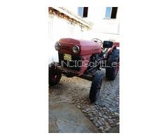 Tractor Barreiro modelo 4 mil y tractor universal